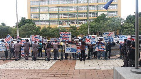 Manifestantes exigen juicio de fondo contra ex alcalde SFM