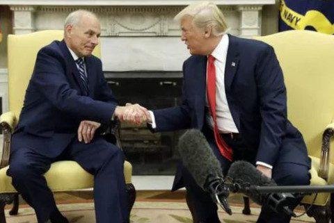 Presidente Trump juramenta nuevo jefe de gabinete