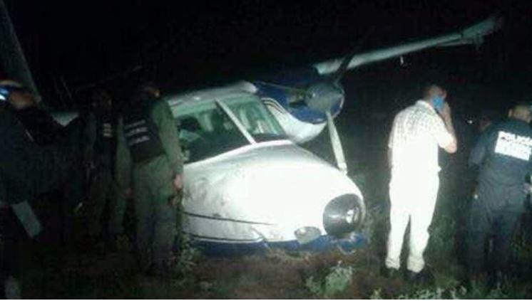 El ministro de Defensa, Rubén Darío Paulino Sem, informó que investigan dos avionetas que salieron del país y que provocaron la muerte de dos personas al aterrizar en Venezuela.