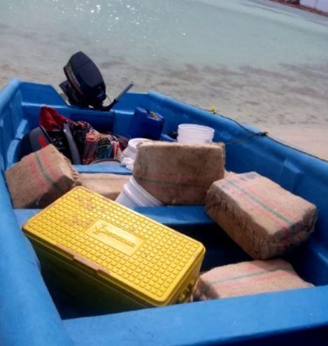 Autoridades decomisan 351 kilos de presunta cocaína en Pedernales