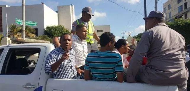 Image result for Lanzamiento de excremento humano en sede de la Suprema Corte Justicia Dominicana