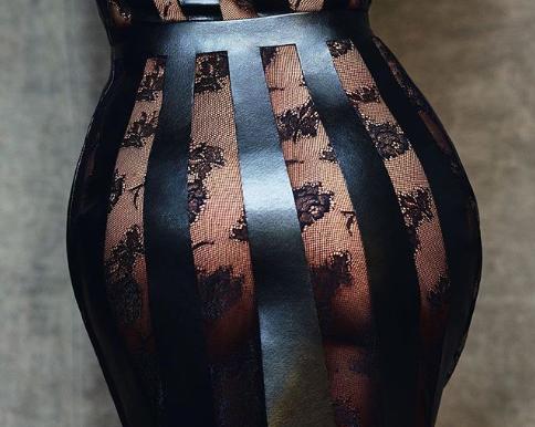 Salma Hayek Estremece Las Redes Con Sexy Y Trasparente