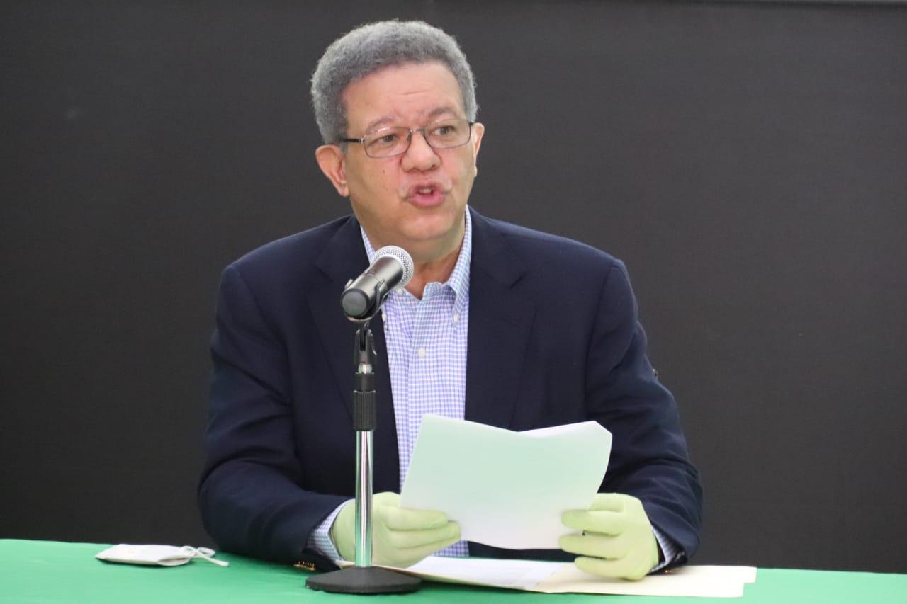 Leonel acusa salita de amenazar empresarios para que no aporten posibles a Aptitud del Aldea – N Dactilar