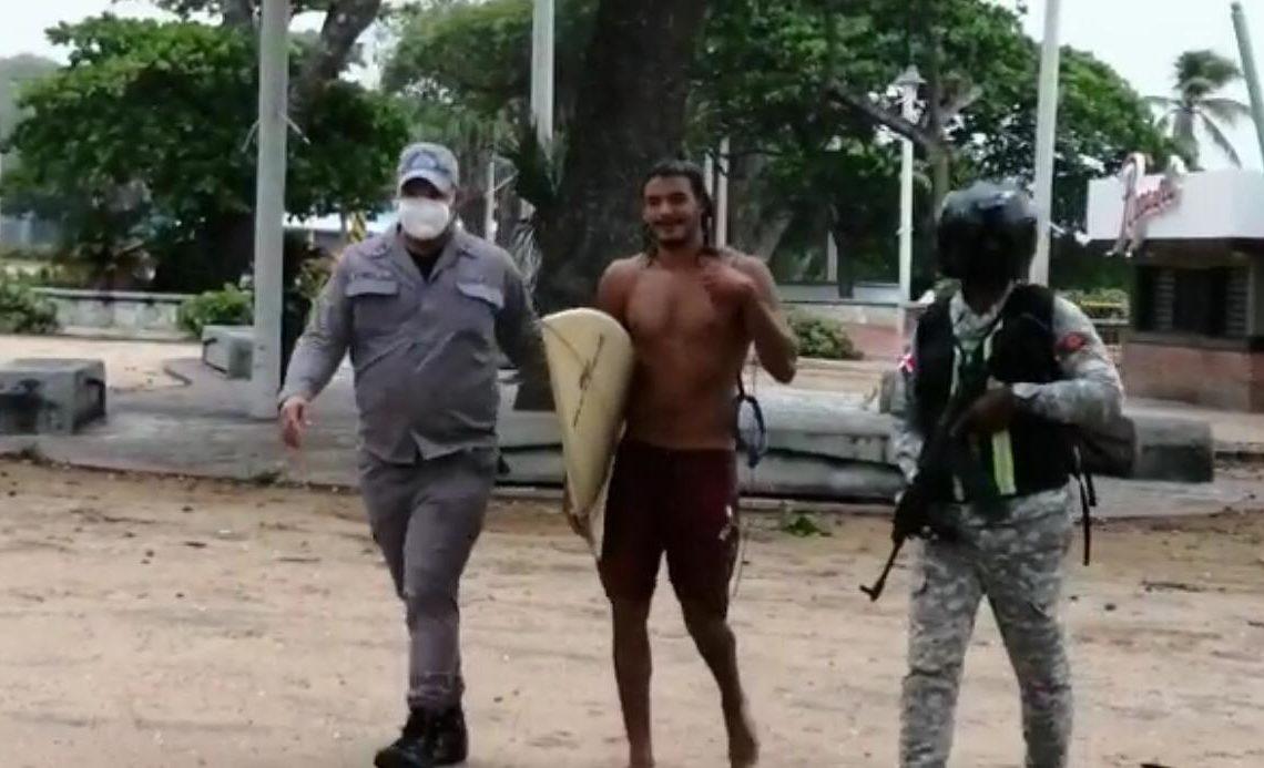 Policia Nacional Apresan Surfistas