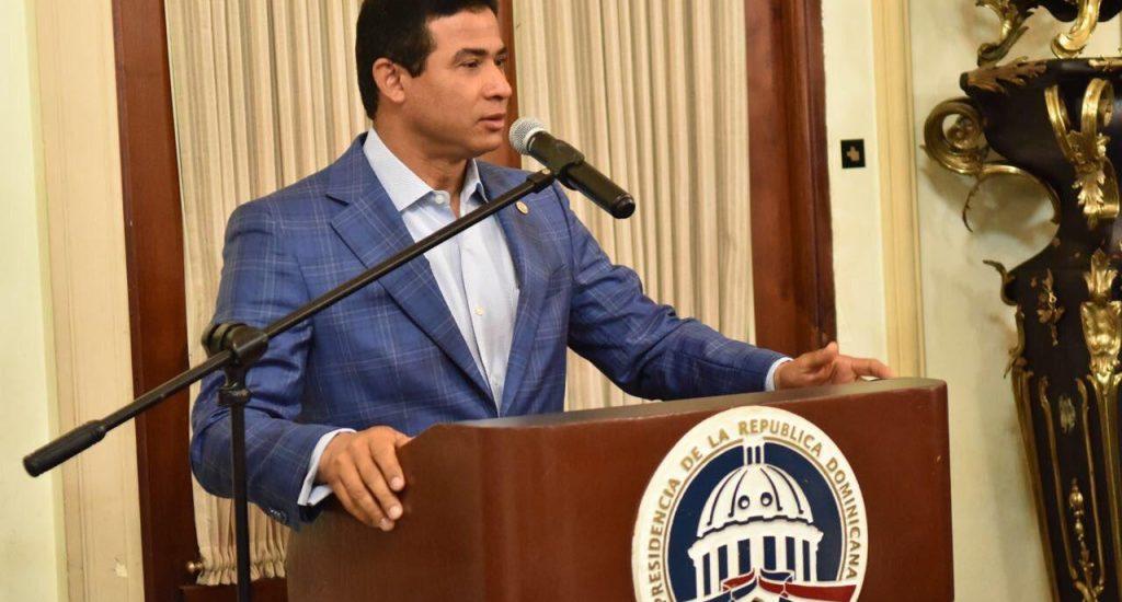 Adán Cáceres.