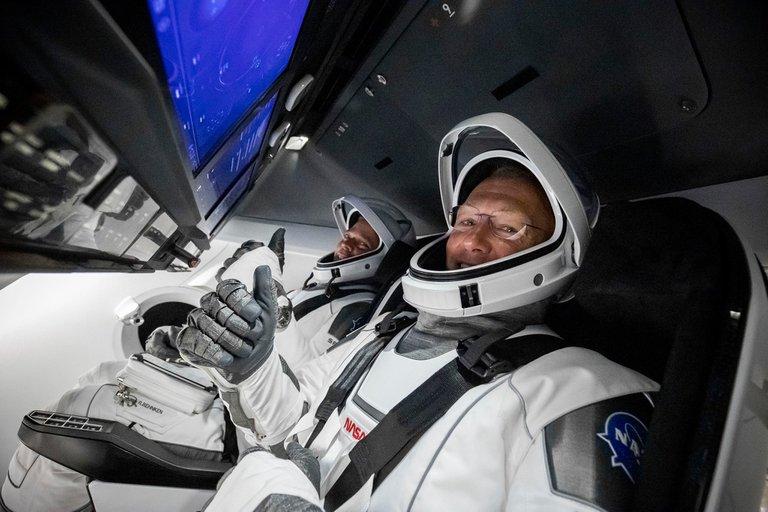 Astronautas de SpaceX regresan a la Tierra