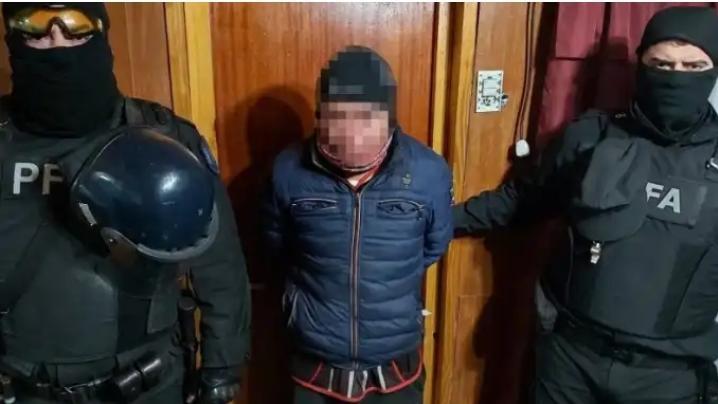 Detienen tres dominicanos en Argentina por venta de drogas