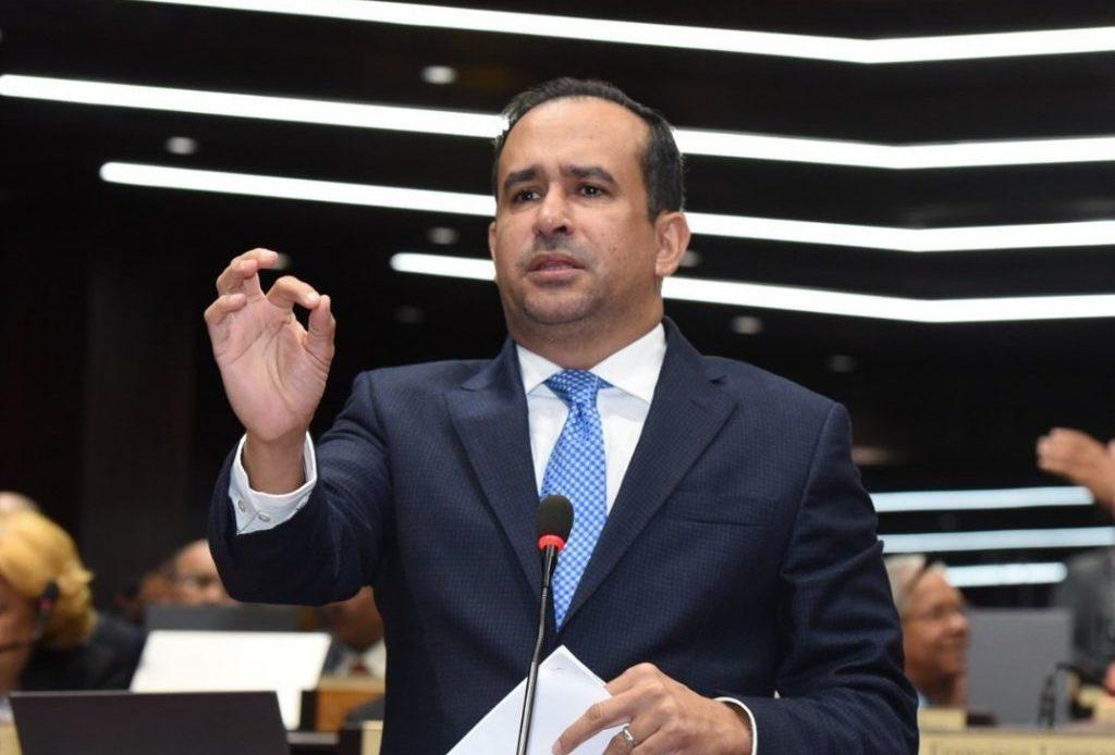 Víctor Suárez, diputado peledeísta