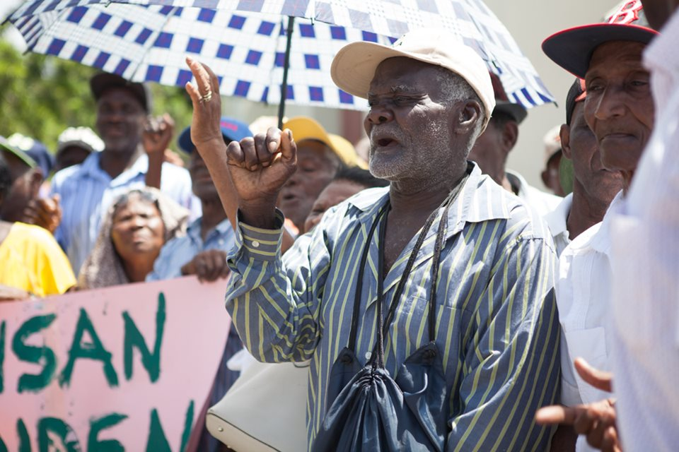 Luis Abinader promete pensión a trabajadores de la caña