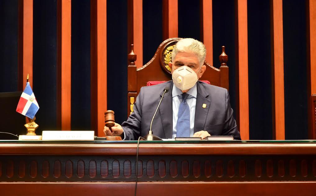 Eduardo Estrella, presidente del Senado