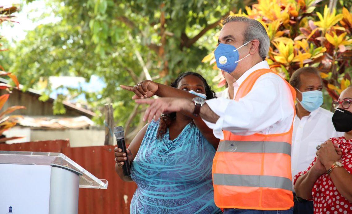 Luis Abinader durante presentación de programa Dominicana Construye