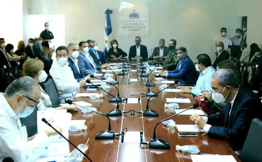 Luis Abinader se reúne con consejo de ministros previo discurso