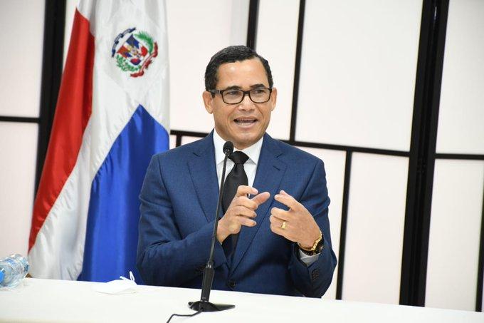 Eddy Olivares, aspirante a presidente JCE.