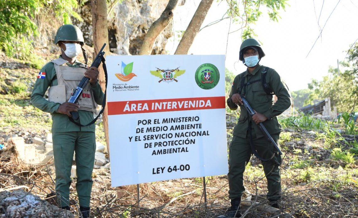 Personal de Medio Ambiente interviene área protegida que estaba siendo ocupada