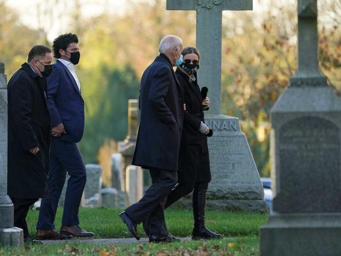 Joe Biden visita tumba de su hijo