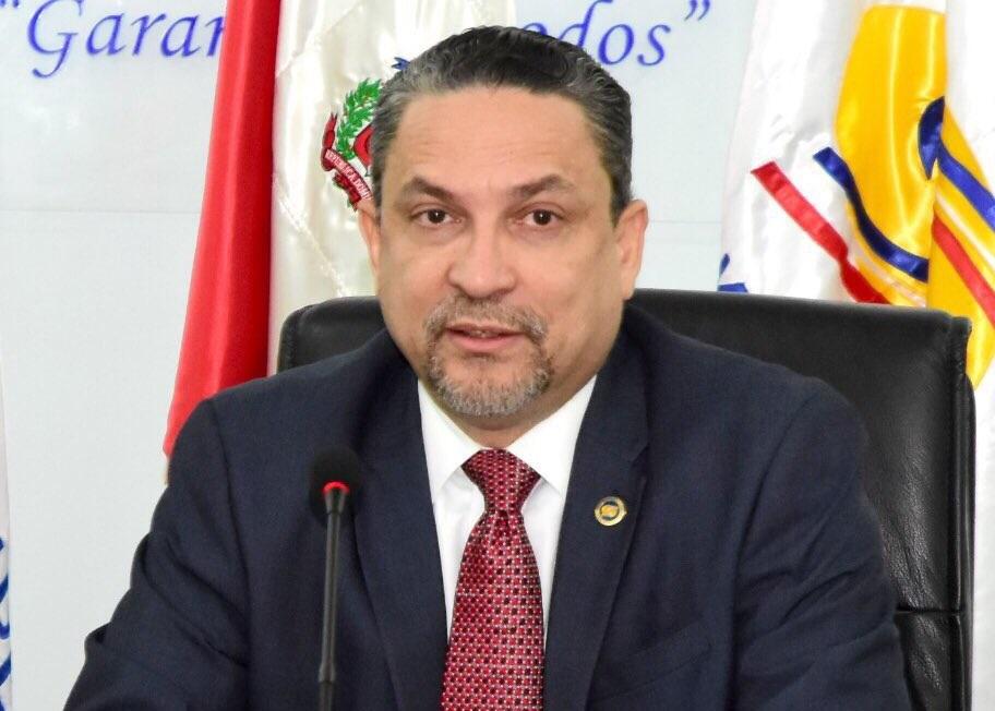 César Prieto.
