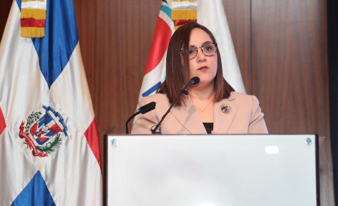 Foto 1, Elizabeth Mena, presidenta de ADOEXPO.