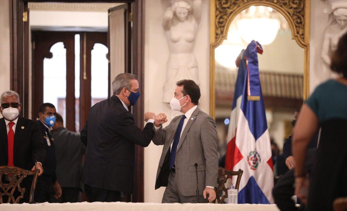 Ito Bisonó y Abinader.