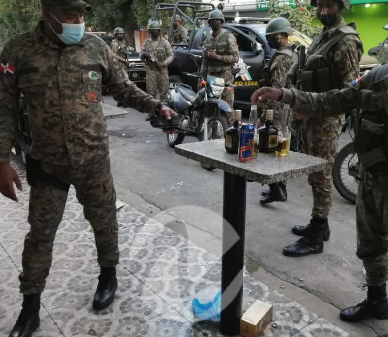 El Ejército desmantelando fiesta clandestina