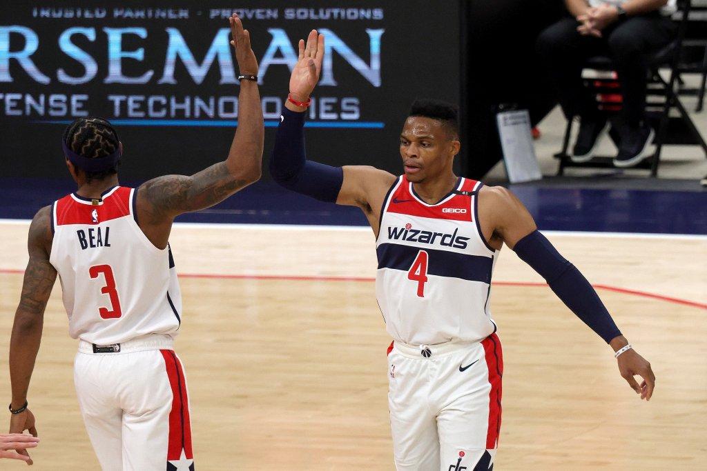 Beal y Westbrook doblegan a los Lakers en tiempo extra