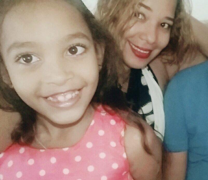 Mujer desaparecida y su hija