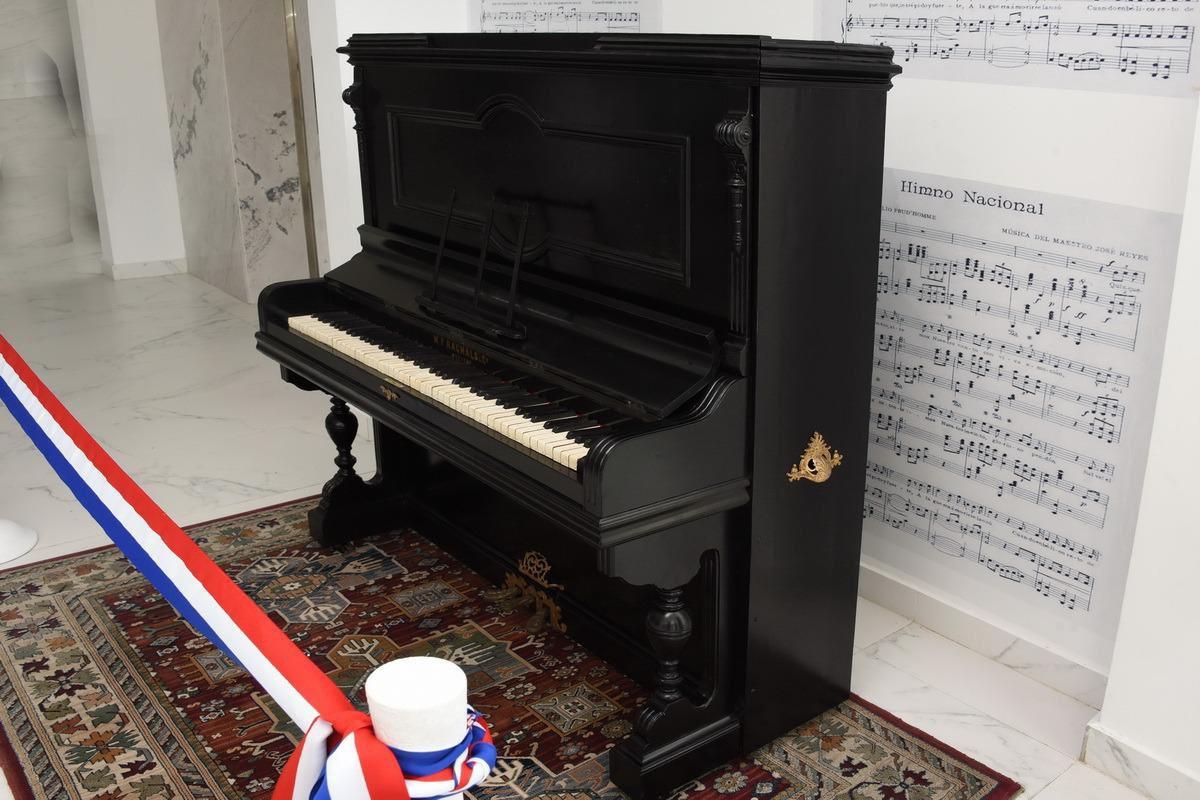 Restauran piano con el que se tocó por primera vez el Himno Nacional