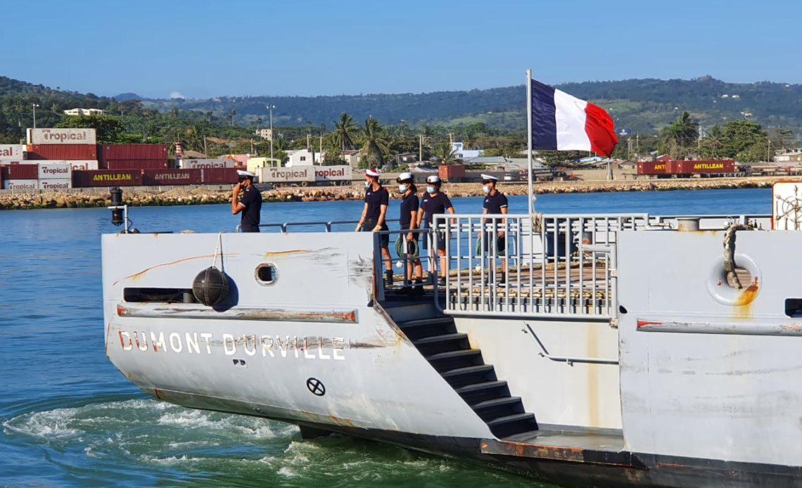 """BuqueFrances""""Dumont D´ Urville""""atraca en puerto de Puerto Plata, destacan ubicación estratégica del país."""
