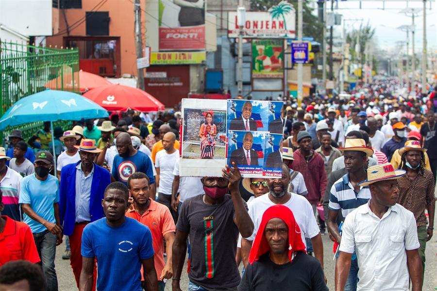 Haitianos protestan contra secuestros.