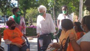 Milagros visita campamento frente al Palacio Nacional a favor de las tres causales