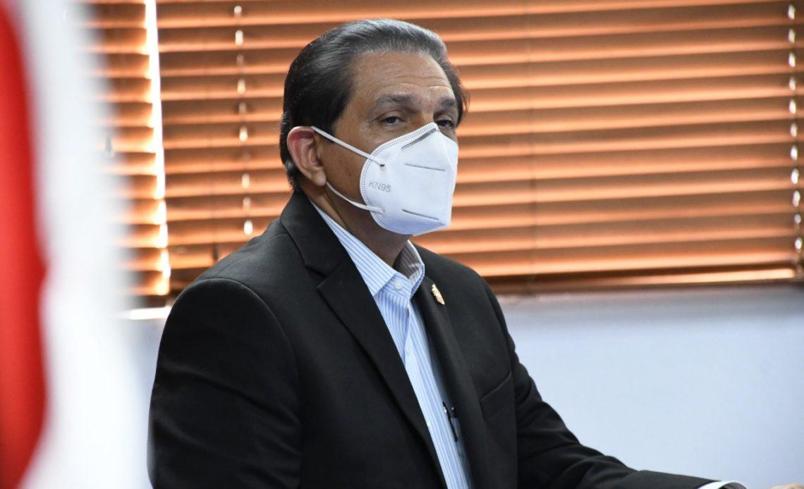 Ministro de Salud. Daniel Rivera.