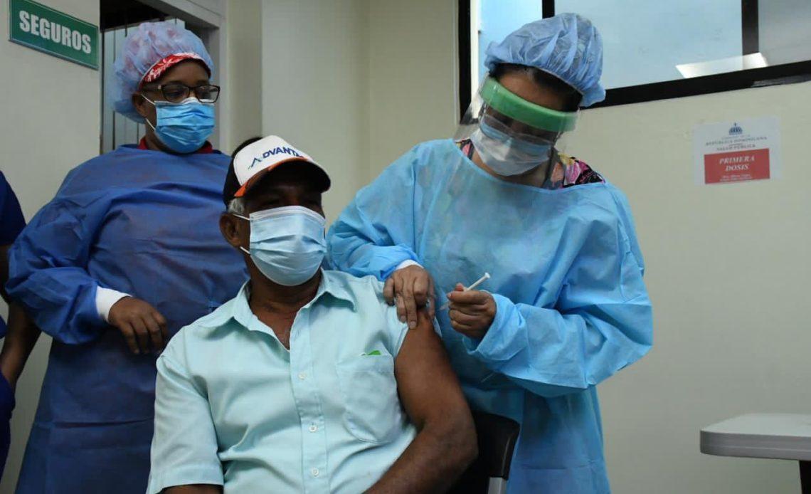 Vacunación en República Dominicana.