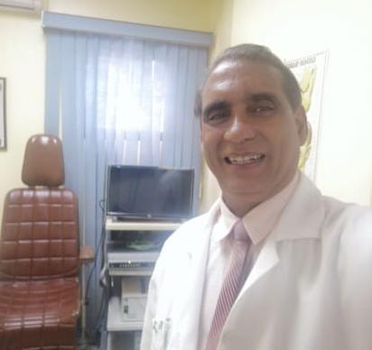 El otorrinolaringólogo Dr. José Valentín Fernández