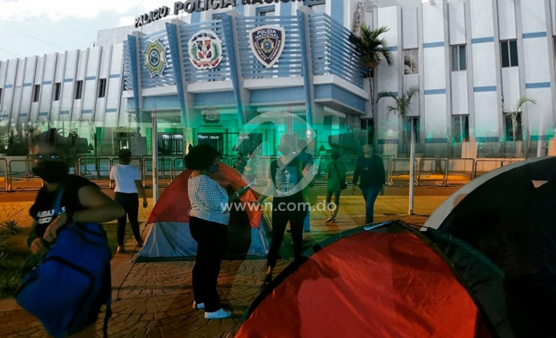 Campamento frente al Congreso Nacional