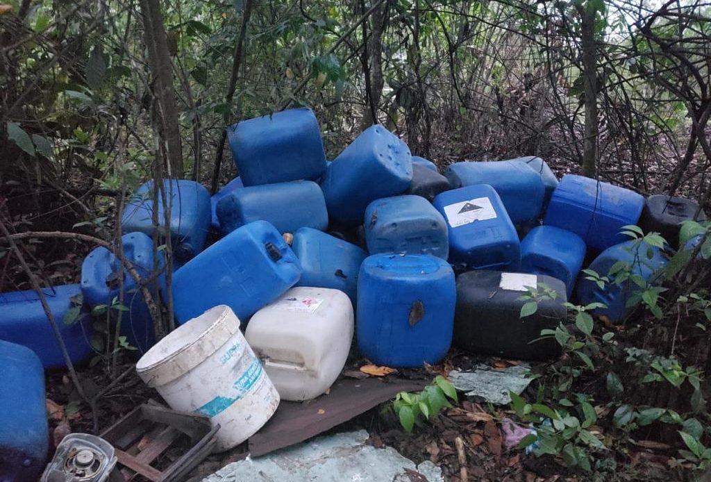 PN desmantela dos laboratorios clandestinos de producción de clerén en Monte Plata y Barahona