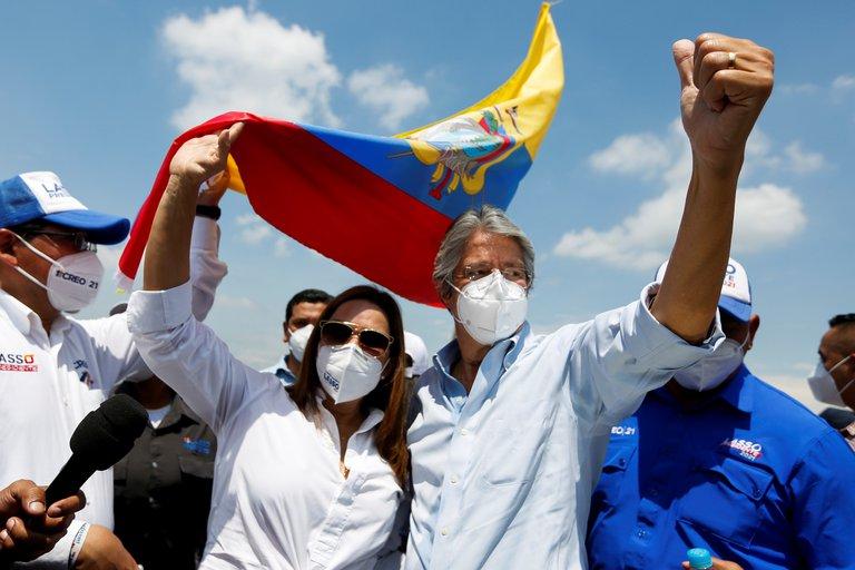 Guillermo Lasso gana las elecciones de Ecuador