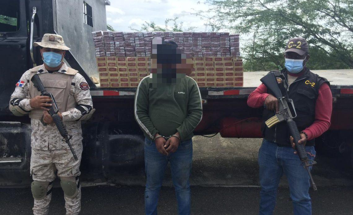 Hombre detenido por contrabando de cigarrillos