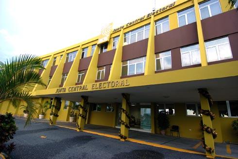 JCE desvincula varios funcionarios del exterior tras aprobar informe