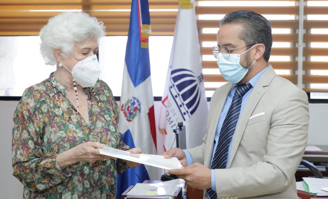 Milagros Ortiz Bosch. y PGR.