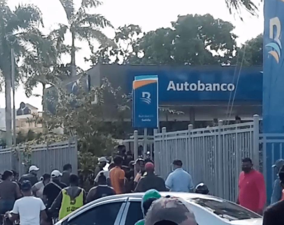 Asalto en las inmediaciones del Banco del Reservas, Higüey