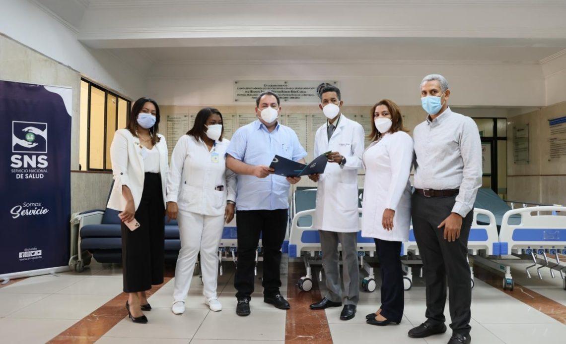 SNS invierte RD$14.4 millones en equipamiento cinco hospitales Red Públic