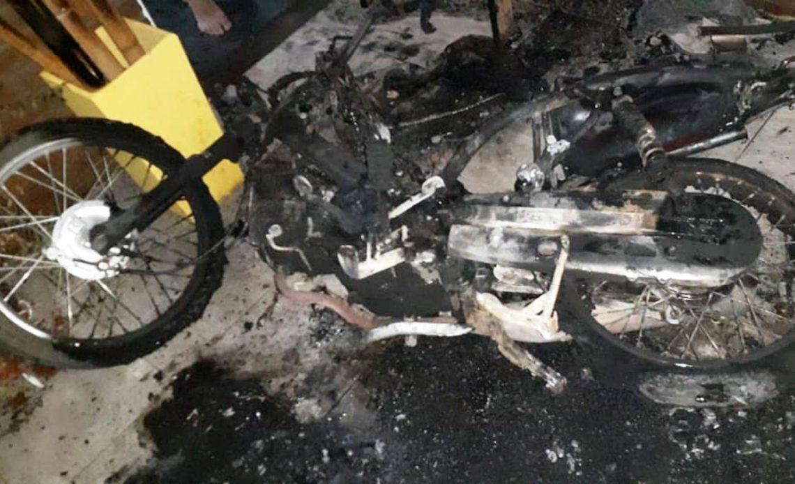 moto-incendiada-1140x694-1