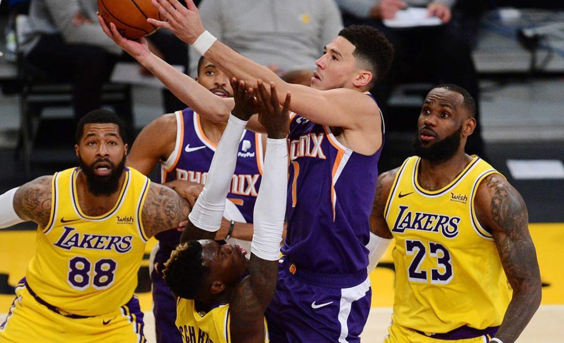 Devin Booker frente a los Lakers