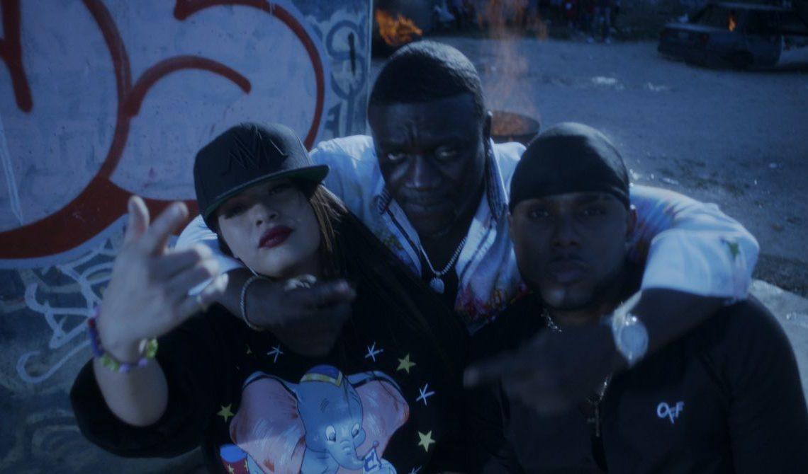 Melymel, Musicólogo y Akon