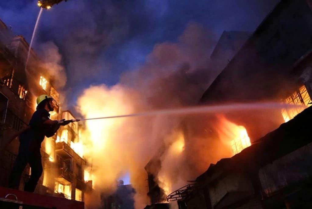 Mueren 6 menores en incendio