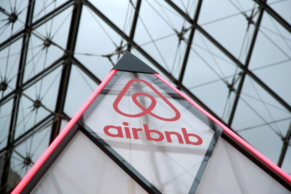AirBnB gasta millones de dólares para ocultar robos, violaciones y rastros de asesinatos en departamentos que alquila