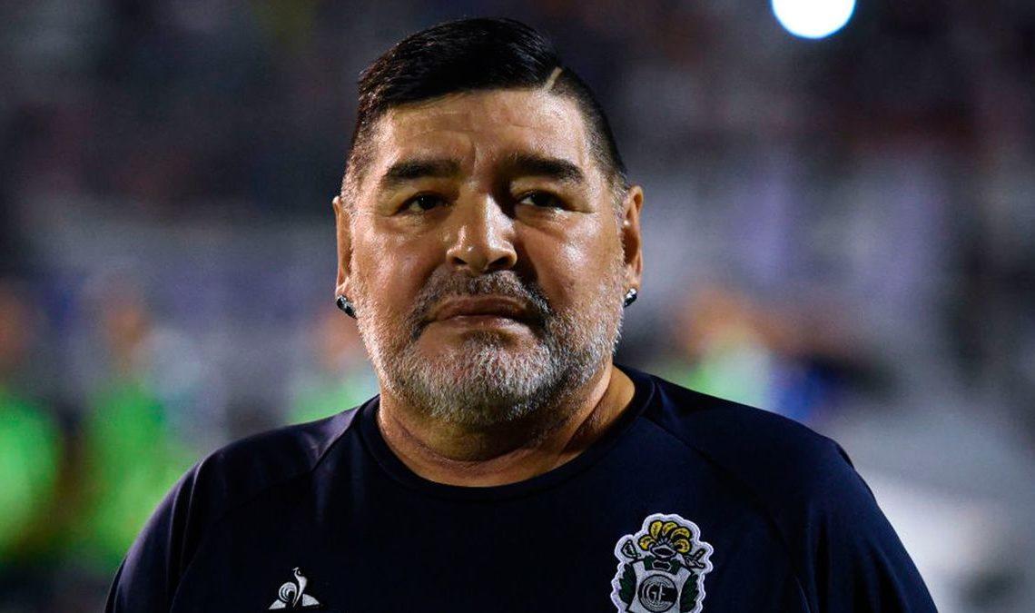 Enfermero de Maradona dijo que tenía orden de no despertarlo e ignoraba cardiopatías