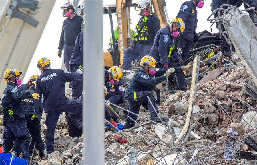 muertos en el derrumbe del edificio en Miami-Dade
