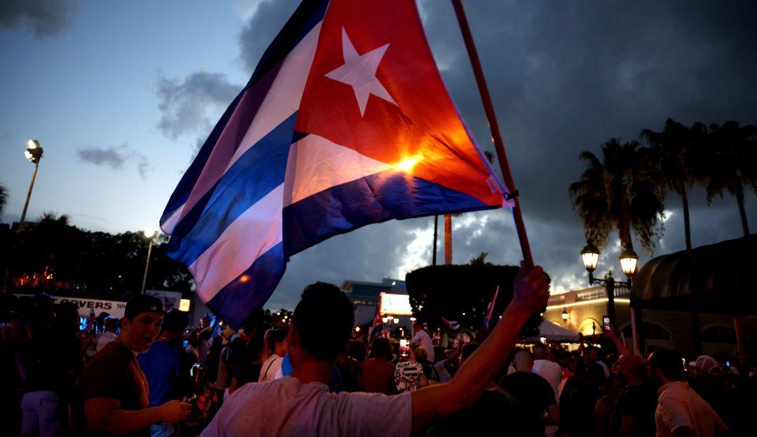 Cuba autoriza a viajeros libre importación de medicinas, alimentos y aseos.