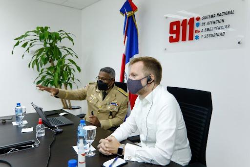 Delegación de la Embajada de Estados Unidos visita sede del Sistema 9-1-1 en Santiago