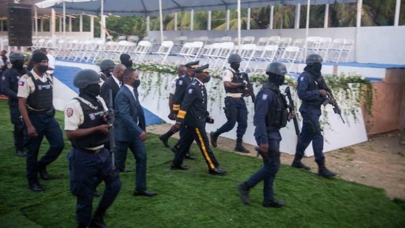Policía haitiana